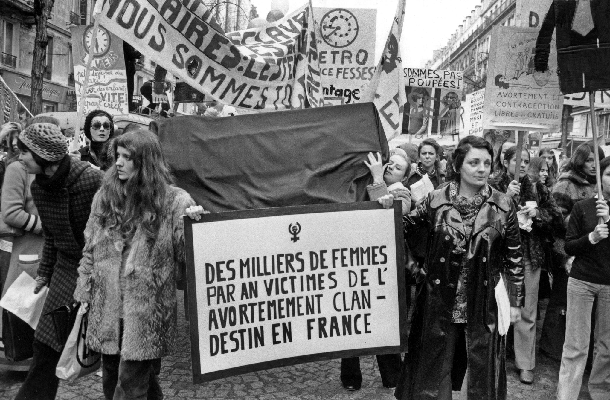 des milliers de femmes par an victimes de l'avortement clandestin en France