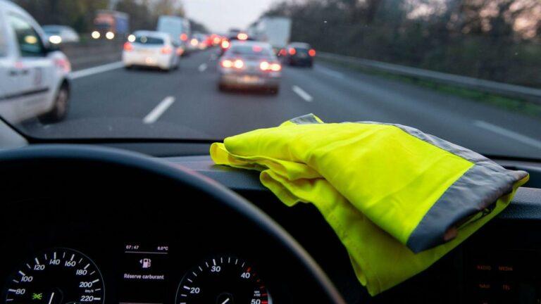 Read more about the article Les gilets jaunes, la révolte pour et contre l'automobile ?