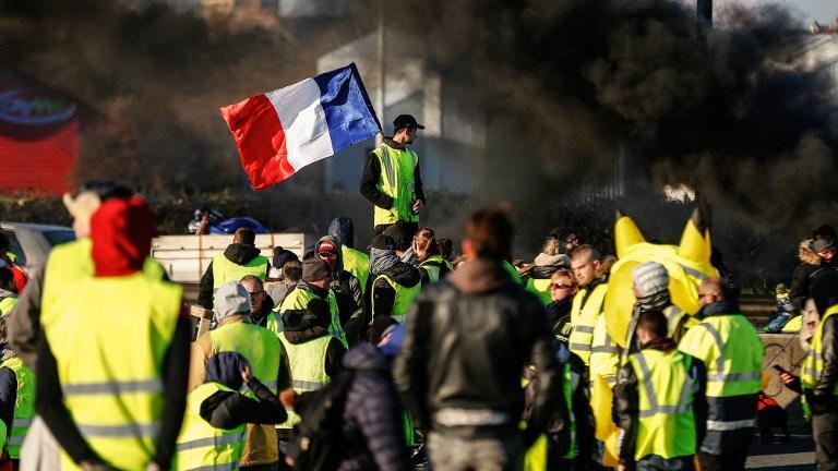 Read more about the article Le mouvement des gilets jaunes est-il un néo-poujadisme ?