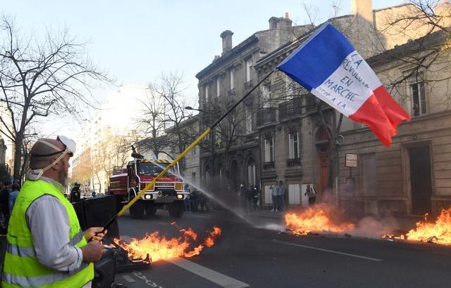 Read more about the article Acte XX des gilets jaunes : peur sur la ville