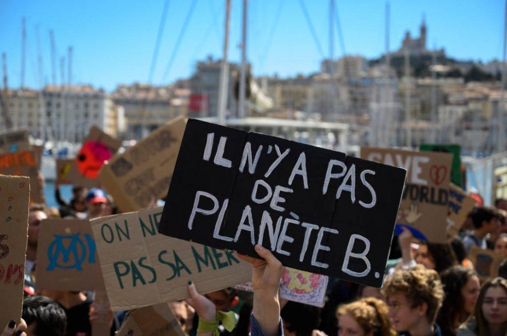 Read more about the article La mobilisation des jeunes pour le climat