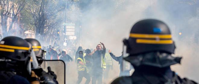 Read more about the article Acte XXVI des gilets jaunes, la vacuité politique