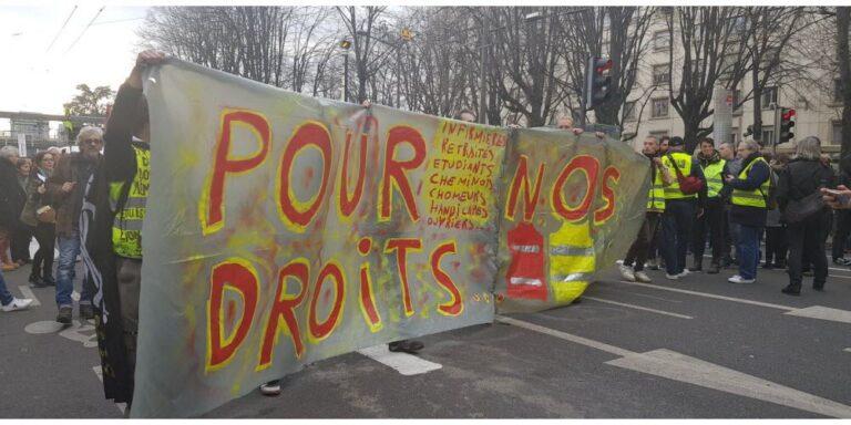 Read more about the article Acte 56 des gilets jaunes: une étrange parodie