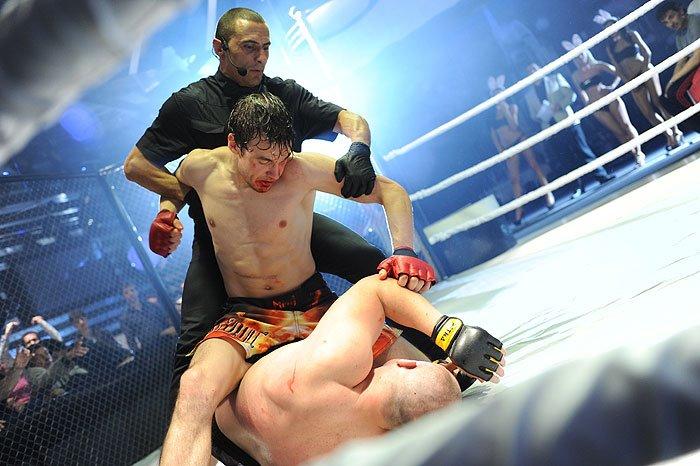 Read more about the article Vitry-sur-Seine: la honte d'avoir accueilli le premier combat officiel de MMA en France