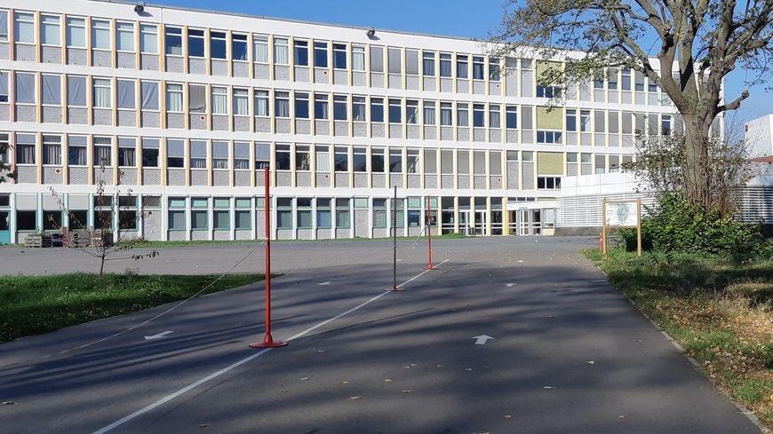 Read more about the article Les lycéens désemparés face à la crise sanitaire