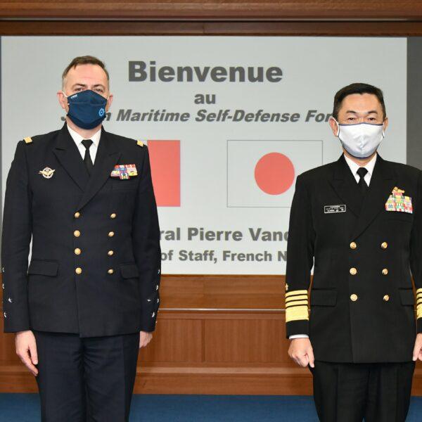 Le chef d'état-major de la Marine parle au Japon du «comportement conquérant» de la Chine