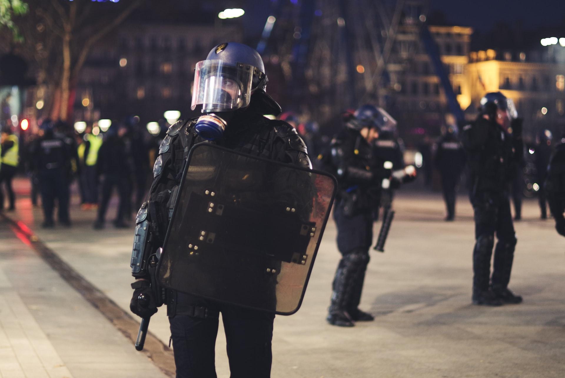 Read more about the article Fiasco complet du pathétique cinéma des manifestations contre la loi «sécurité globale»