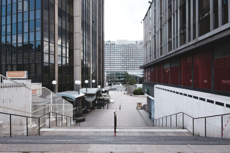 Read more about the article 3e confinement : les Français en même temps pour et contre