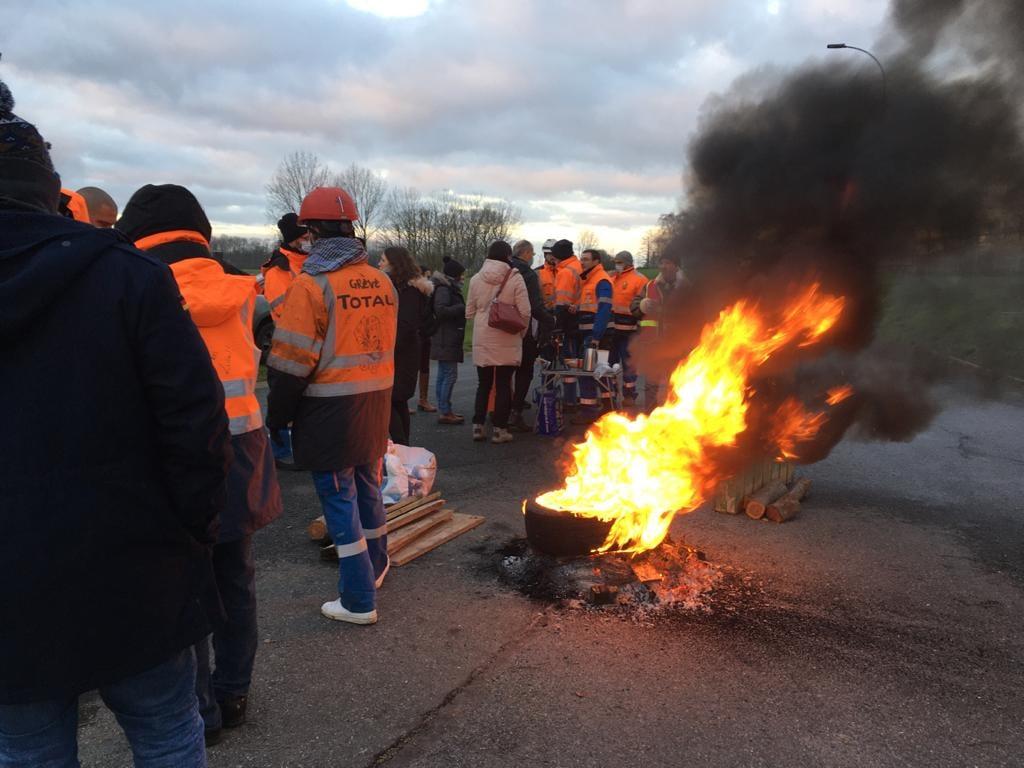 Read more about the article La grève à Total Grandpuits: exemplaire, mais erronée face à la restructuration