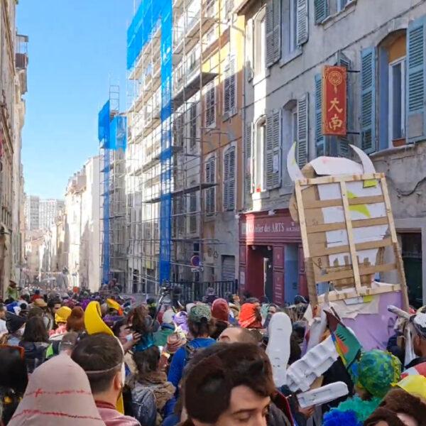 Carnaval à Marseille: 6500 vitalistes symbole d'une France en perdition