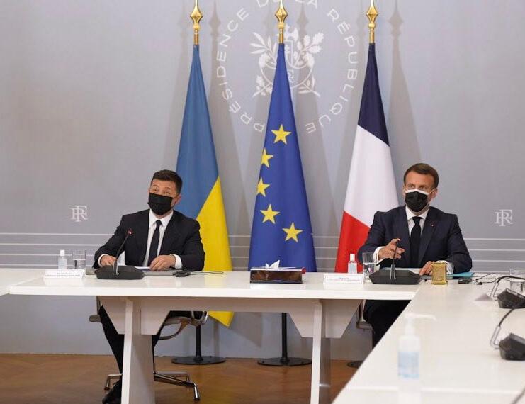 La visite en France du président ukrainien Volodymyr Zelensky littéralement passée sous silence