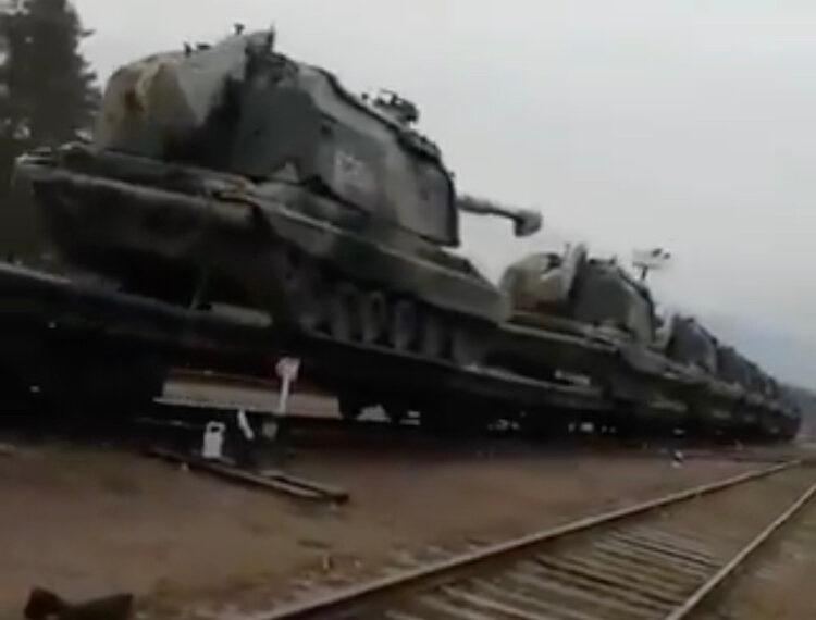 Russie-Ukraine: des escarmouches alors que continue l'accumulation de troupes