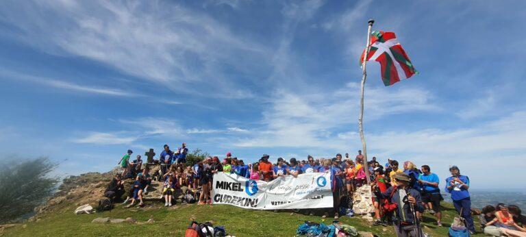 Read more about the article Marche solidaire sur les sommets au Pays basque en France