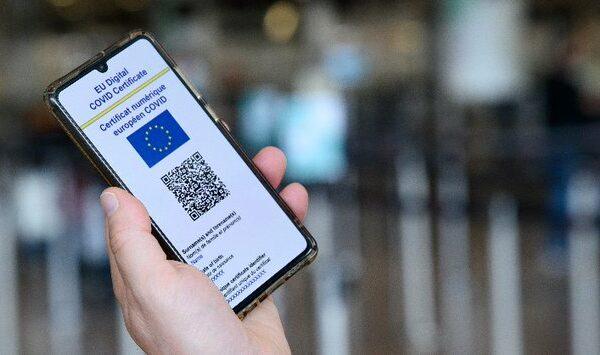 Le pass sanitaire européen, une avancée vers la socialisation de la société
