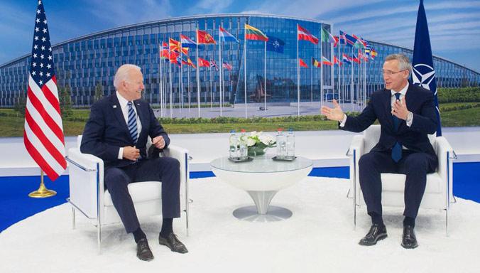 L'OTAN annonce l'affrontement avec la Chine et la Russie
