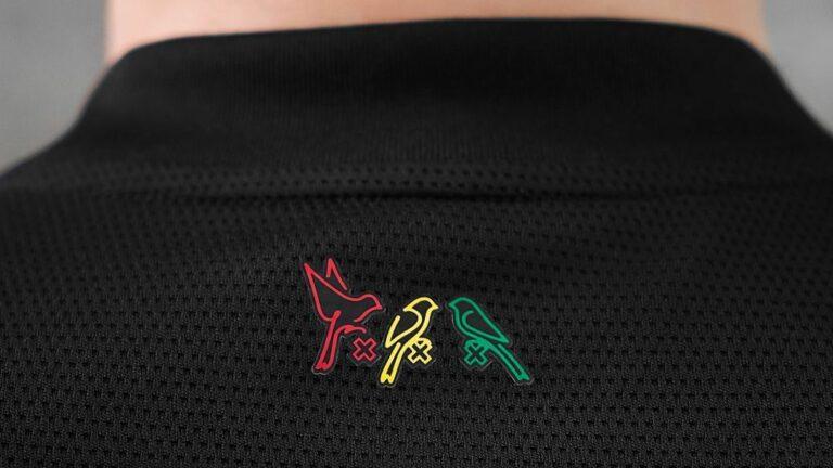Read more about the article Adidas et l'Ajax Amsterdam mettent des oiseaux en cage