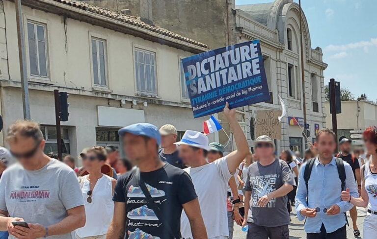 Read more about the article Le drame programmé de la convergence d'ultra-gauche avec les anti-pass sanitaire