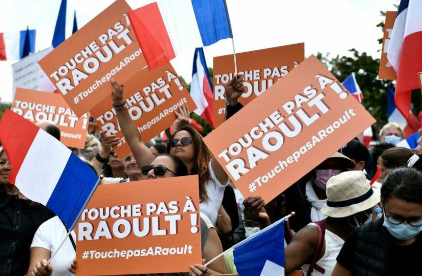Anti-pass et antivax: toujours aussi nombreux mais encore plus odieux le 21 août 2021