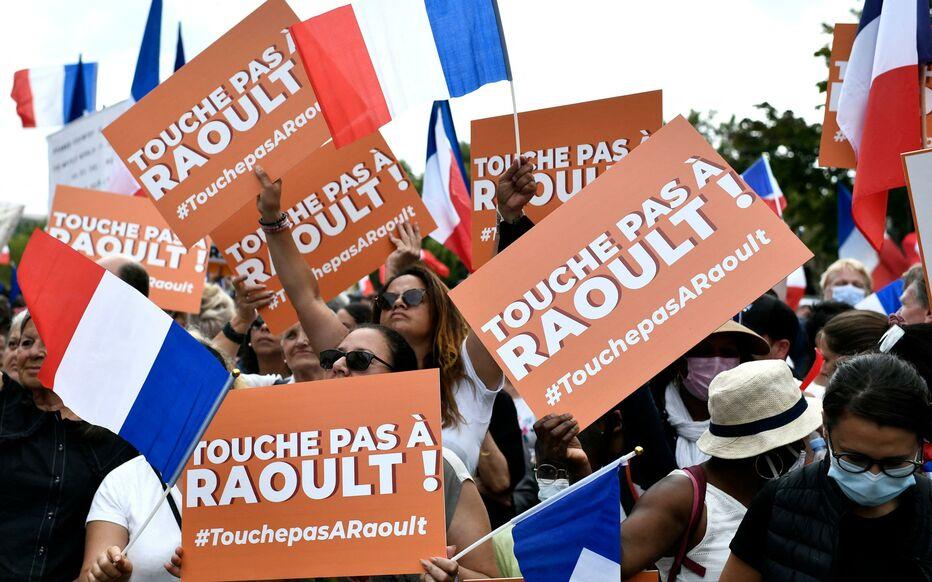 Read more about the article Anti-pass et antivax: toujours aussi nombreux mais encore plus odieux le 21 août 2021