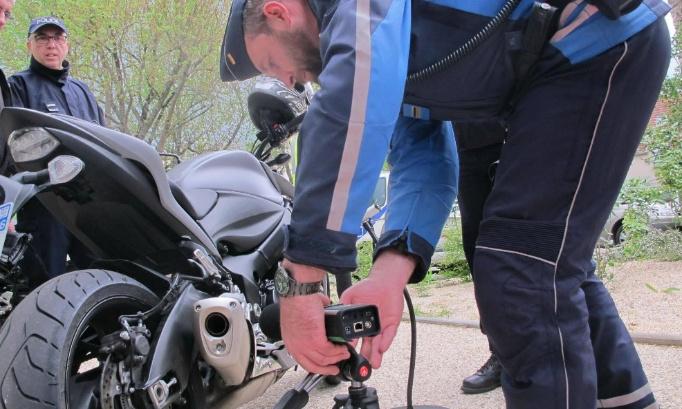 Read more about the article Pétition contre les pollutions sonores et atmosphériques des scooters et motos