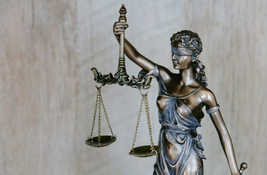 La préparation équivaut désormais à l'acte : le droit français en mode minority report
