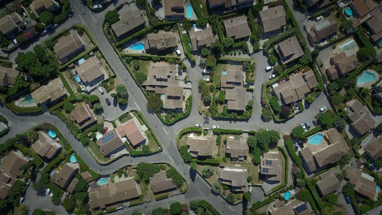 Read more about the article La fin de la maison individuelle exige une rupture à la hauteur du problème